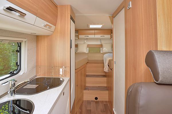 comfort-standard-3_first-class-reisemobile