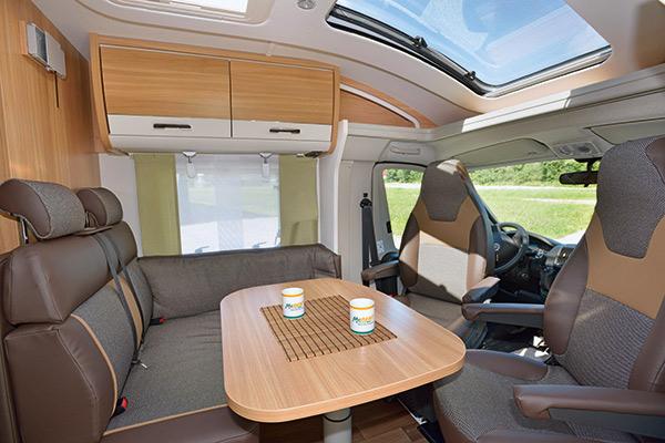 comfort-standard-4_first-class-reisemobile