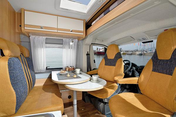 compact-standard-3_first-class-reisemobile