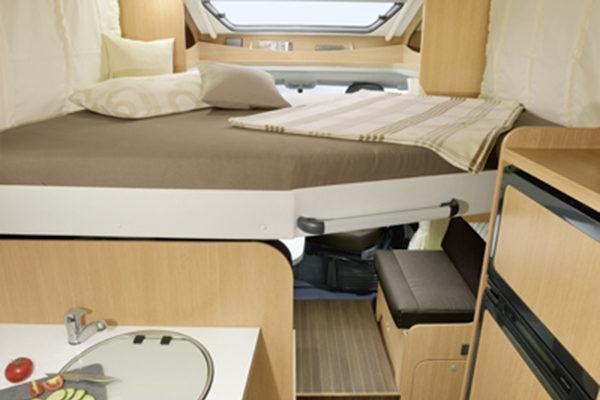 family-standard-4_first-class-reisemobile