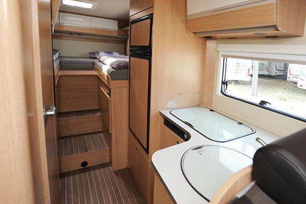 family-standard-5_first-class-reisemobile