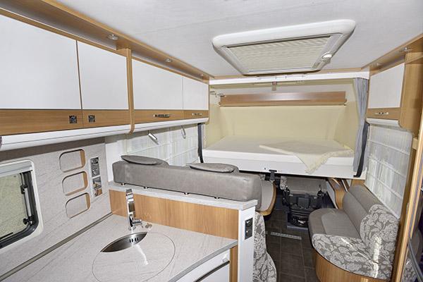 premium-luxury-3_first-class-reisemobile