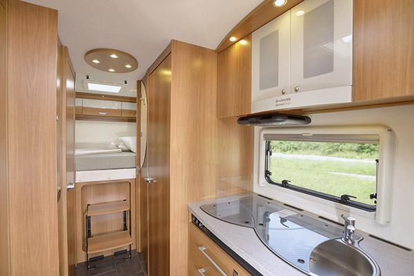 premium-plus-4_first-class-reisemobile